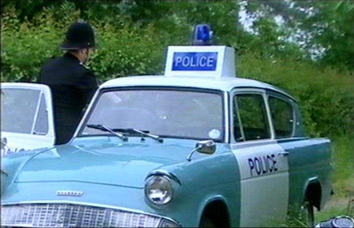 <b>ford-anglia-police-car-105e-in-heartbeat-tv-series.jpg