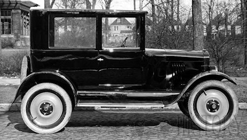 Gray Motor Corp. Automobile maker based in Detroit, Michigan USA between 1921 car