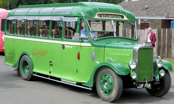 Leyland CUB KP3 Bus side (1932 to 1939)