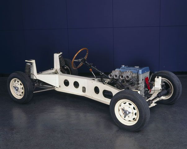 Lotus_Elan_car_chassis