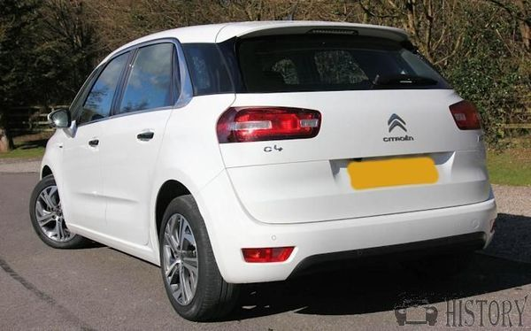 Citroën C4 Picasso Second generation rear view