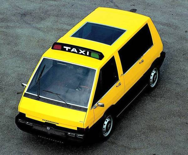 Alfa Romeo New York Taxi concept car top view