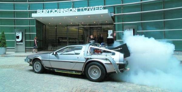 De Lorean DMC 12 in Arthur, Movie with Russell Brand from 2011
