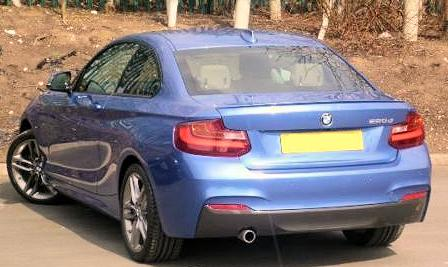 2014-BMW-2-Series rear side