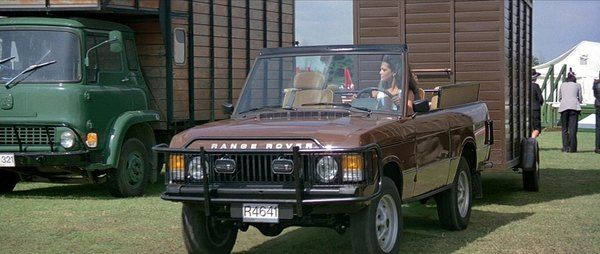 Octopussy Range Rover Classic convertible James Bond