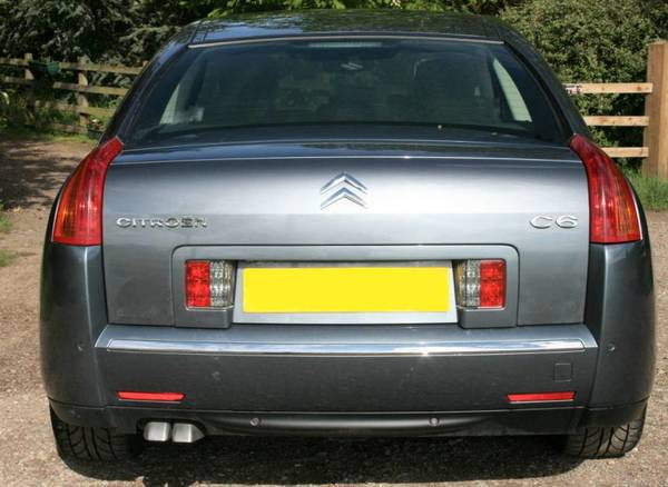 Citroën C6 car rear view