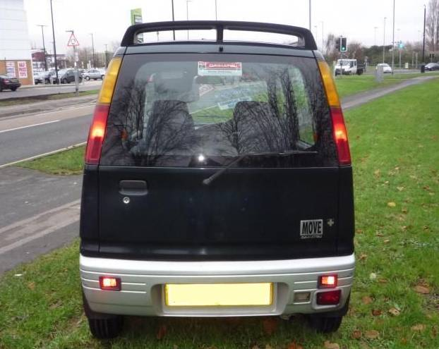 1999 Daihatsu Move rear view