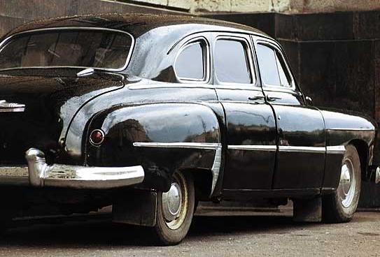 GAZ-12 ZIM rear view