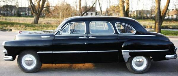 GAZ-12 ZIM side view