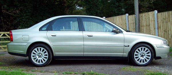 VOLVO-S80-side view