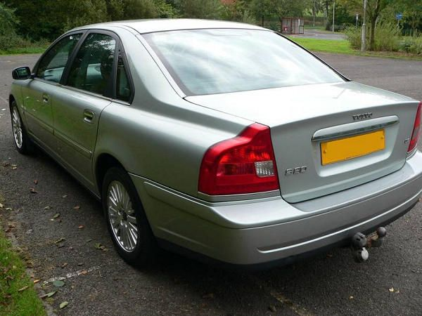 VOLVO-S80 rear view