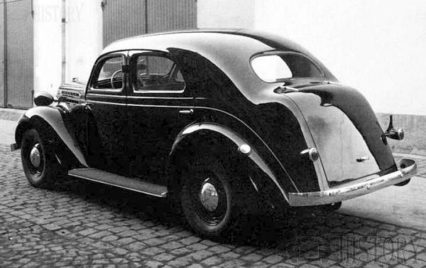 1937 Volvo PV52 car rear view