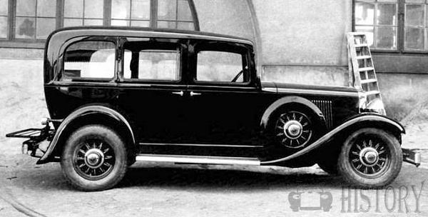 The 1934 Volvo TR676 taxicab