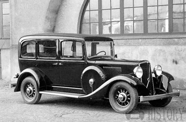 The 1935 Volvo TR701 taxicab