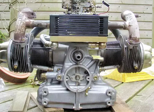Flat-twin car engine