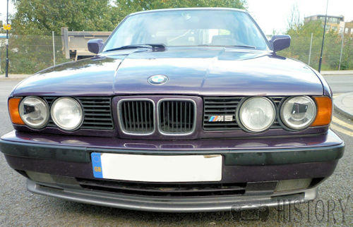 BMW M5 E34 front view