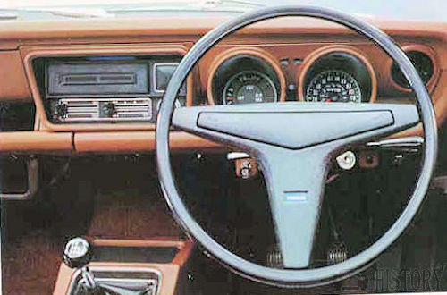 Mazda 808 Grand Familia  dash view