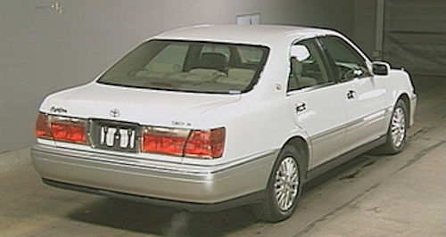 Toyota Crown Eleventh Generation rear
