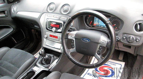 Ford Mondeo Mark 4 dash view