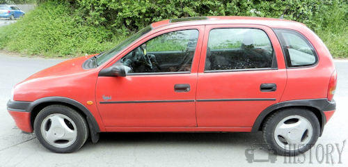 vauxhall corsa mk1 side view