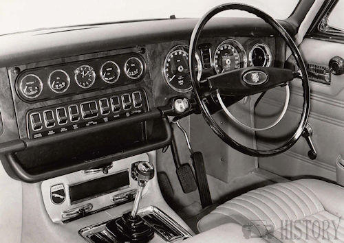 Jaguar XJ Series 1 interior