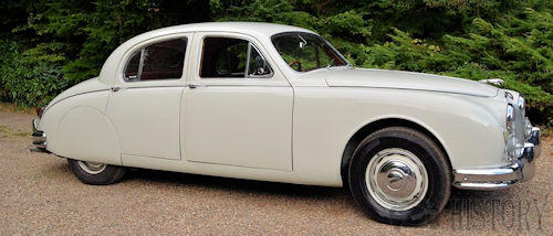 Jaguar Mark 1 side
