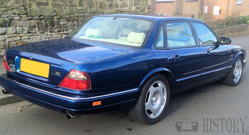 Jaguar-XJ-X300-rear