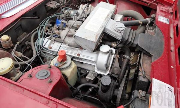 Triumph Stag engine view and problems