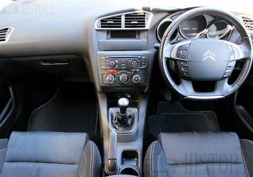 Citroën C4 Second generation dash view