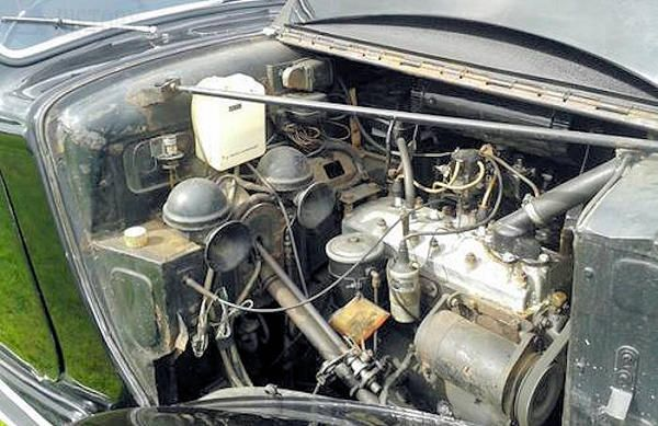 Humber Hawk Mk I & II engine view
