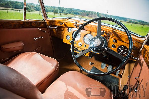 Bentley Mark V interior view 1939 to 1941
